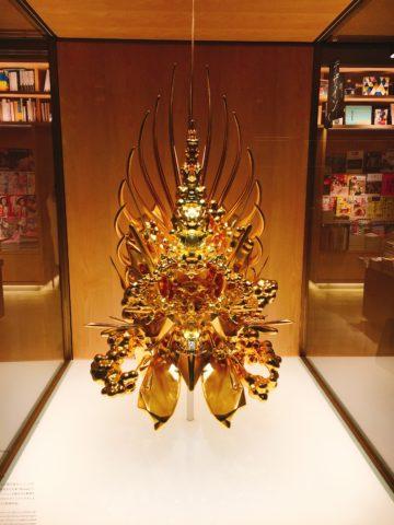 名和晃平 Throne
